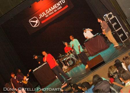 Julgamento no Teatro Marília- por Dúnia Catel