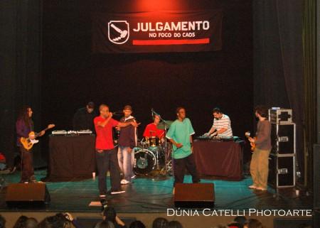 Julgamento -no teatro Marília- por Dúnia Catelli